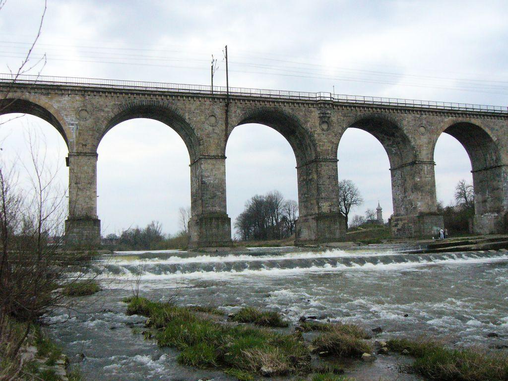 Kamienny wiadukt w Bolesławcu