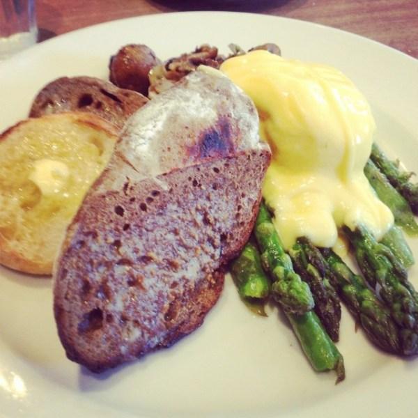Doug Hume's organic asparagus, poached egg & hollandaise @gfb_bakery