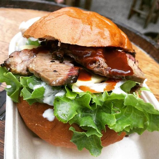 BBQ Beef Brisket Burger by Black Bunny Kitchen @blackbunnykitchen
