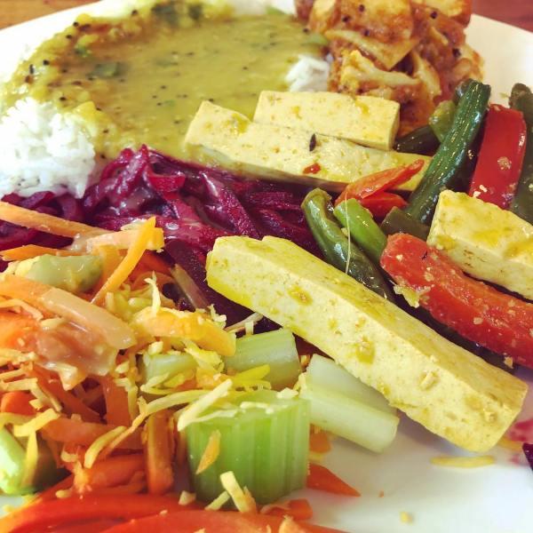 Rice & Dahl, aloo gobi, green bean & tofu salad
