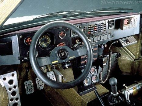 Lancia-Delta-S4-Group-B_4