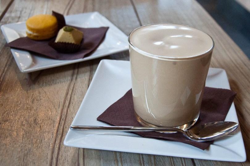 Caffe crema, Cafe Stuzzicheria Pan ti Voglio, Vicenza, Italy - www.rossiwrites.com