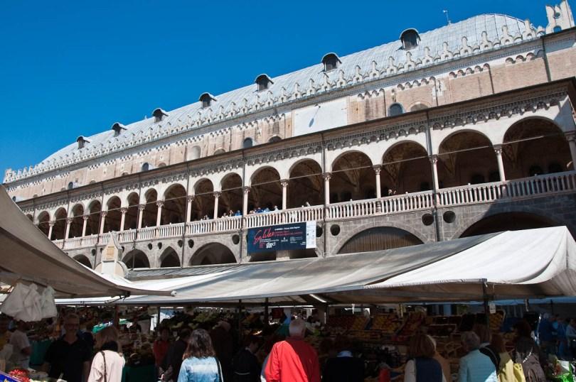 The Marketplace and Palazzo della Ragione, Piazza delle Erbe, Padua, Italy - www.rossiwrites.com