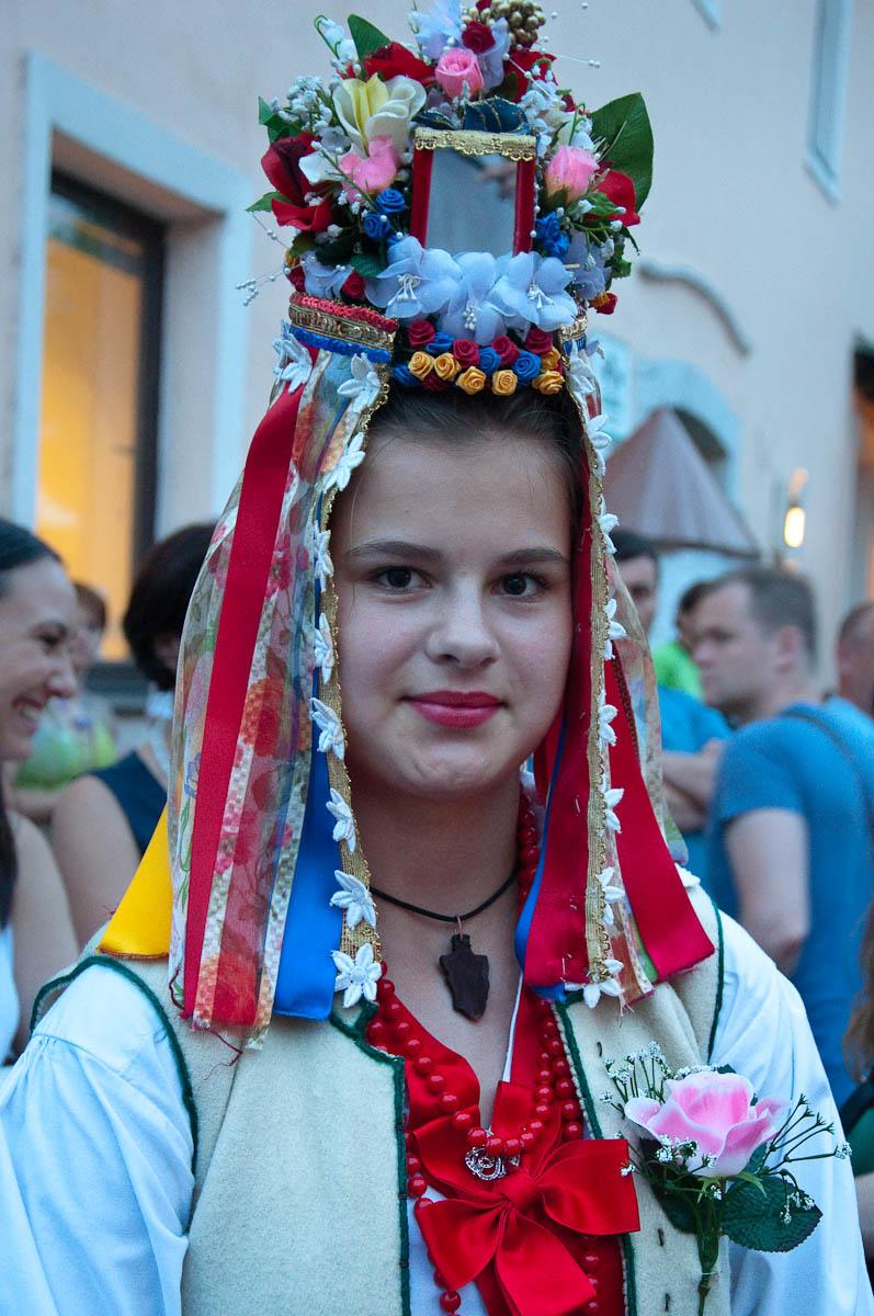 A pretty girl with a Slovenian folkloric bridal costume - Jurjevanje 2016, Crnomelj, Bela Krajina, Slovenia - www.rossiwrites.com