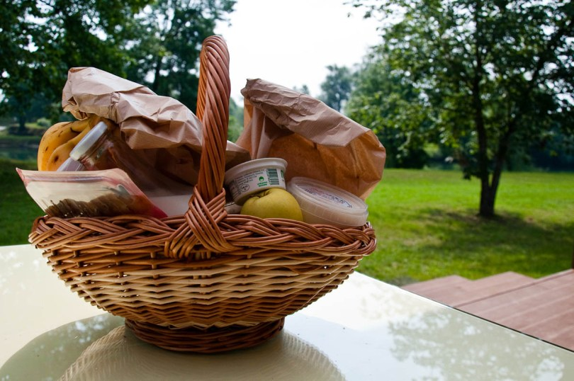 Breakfast in a basket, Big Berry glampsite, Bela Krajina, Slovenia - www.rossiwrites.com