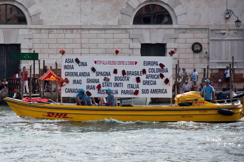 The Stop Alla Violenza Contro le Donne boat, Historical Regatta, Venice, Italy - www.rossiwrites.com