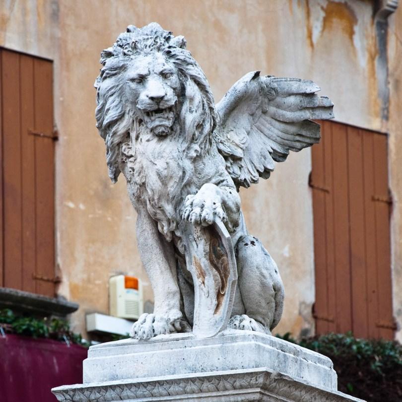 Veneto's lion - Asolo, Veneto, Italy - www.rossiwrites.com