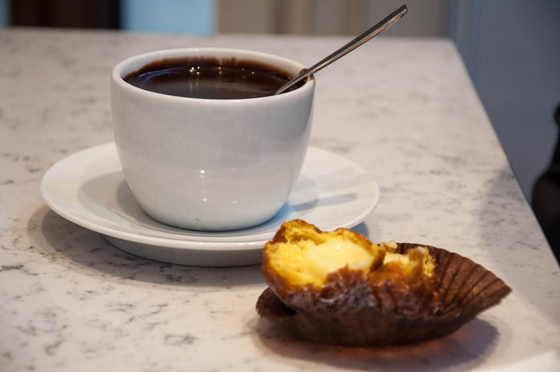 Frittella with hot chocolate - Antico Forno, Padua, Italy - www.rossiwrites.com