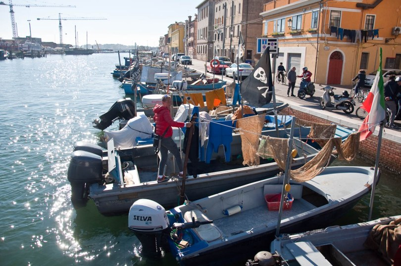 Boats with a clothes-line - Chioggia, Veneto, Italy - www.rossiwrites.com
