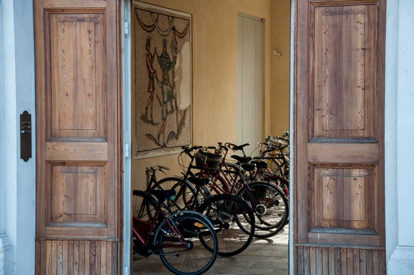 Mosaics and bicycles - Ravenna, Emilia Romagna, Italy - www.rossiwrites.com