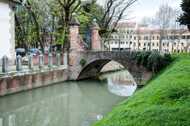 The bridge leading to La Rocca - Noale, Veneto, Italy - www.rossiwrites.com