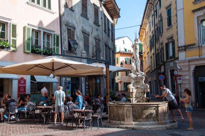 The Fountain of Neptune and Cafe Bontadi at Piazza Cesare Battisti - Historical Centre, Rovereto, Trentino, Italy - www.rossiwrites.com