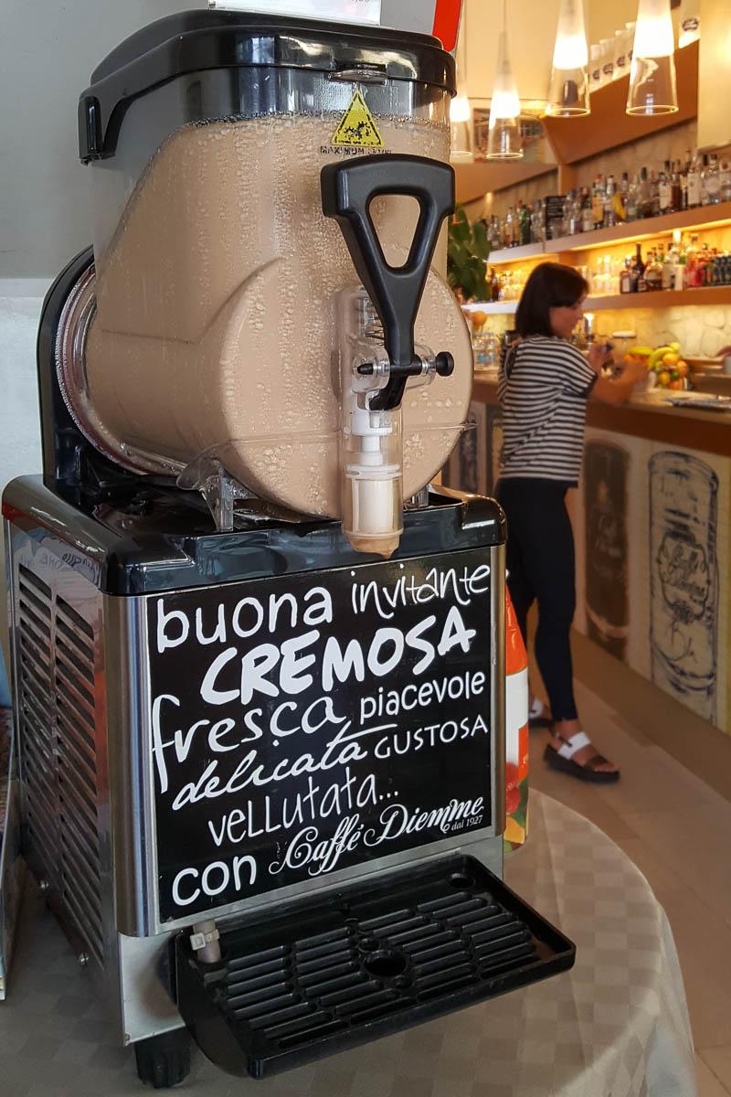 A Crema Caffe machine - Padua, Italy - www.rossiwrites.com