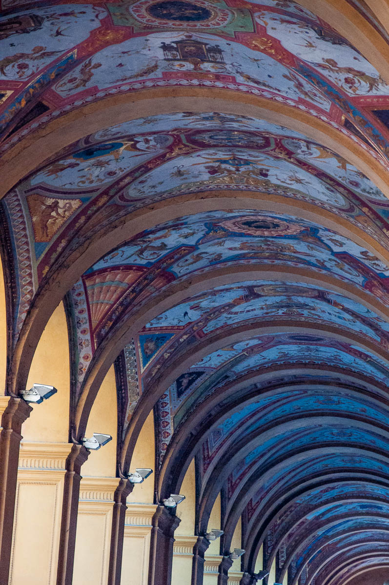 A colourful arcade - Bologna, Emilia-Romagna, Italy - www.rossiwrites.com