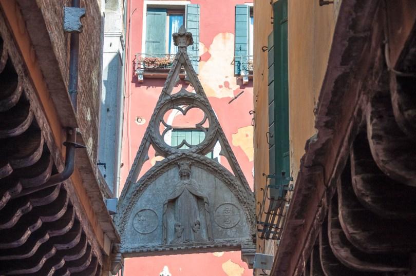 Arco del Paradiso - Calle del Paradiso - Castello, Venice, Veneto, Italy - www.rossiwrites.com