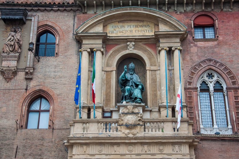 The statue of Pope Gregory XIII - Palazzo d'Accursio, Bologna, Emilia-Romagna, Italy - www.rossiwrites.com