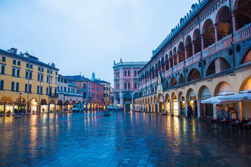 Padua in the rain - Padua, Veneto, Italy - www.rossiwrites.com