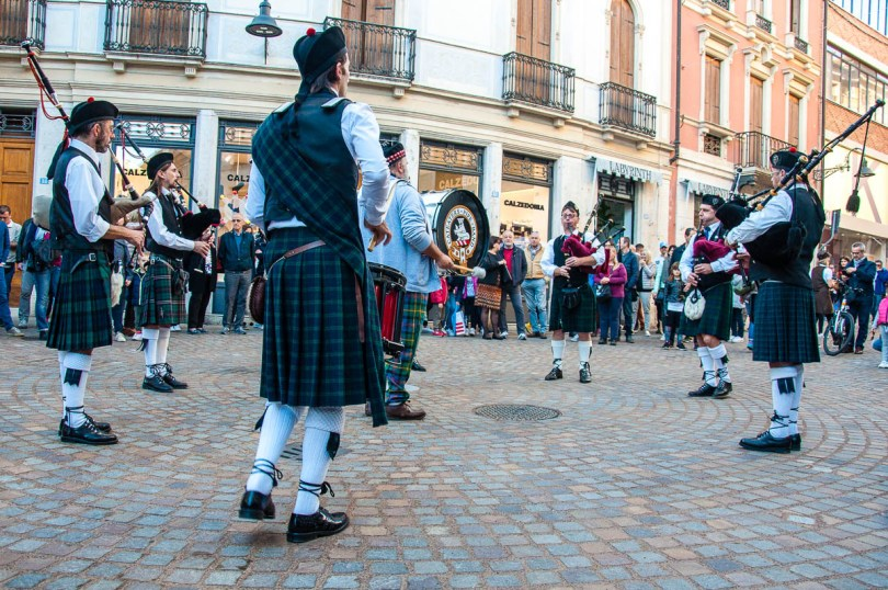The CatEaters Pipe Band - British Day Schio - Veneto, Italy - www.rossiwrites.com
