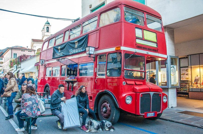 The double decker bus - British Day Schio - Veneto, Italy - www.rossiwrites.com