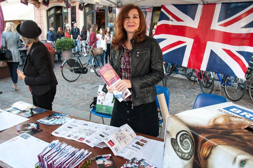 The event's official stall - British Day Schio - Veneto, Italy - www.rossiwrites.com