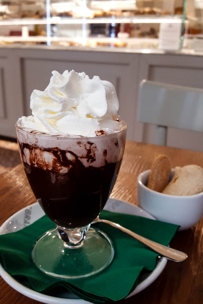 Hot chocolate with whipped cream - Pasticceria Gambarato - Vicenza, Italy - www.rossiwrites.com