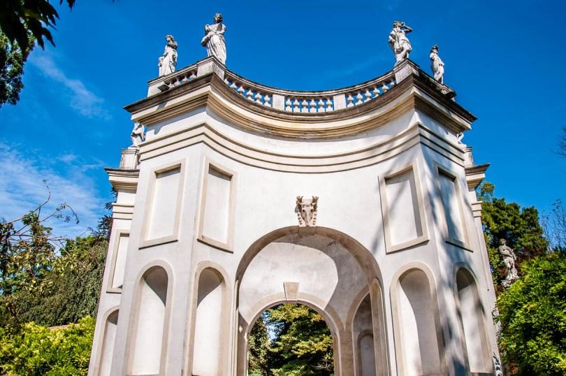 Exedra - Villa Pisani, Stra, Veneto, Italy - www.rossiwrites.com