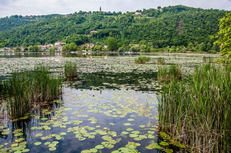 View of lake Fimon with the Berici Hills - Arcugnano, Vicenza, Veneto, Italy - www.rossiwrites.com
