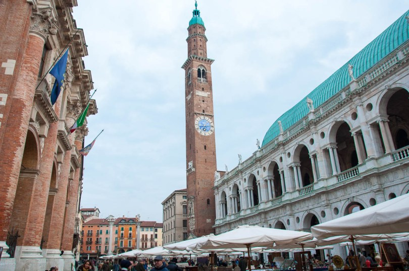 Piazza dei Signori on a market day - Vicenza, Italy - www.rossiwrites.com
