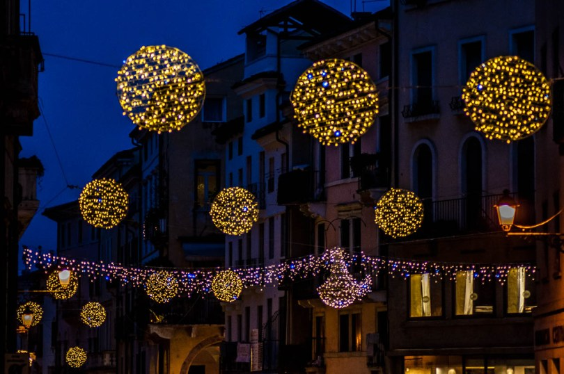 Christmas Lights above Corso Palladio - Vicenza, Italy - rossiwrites.com