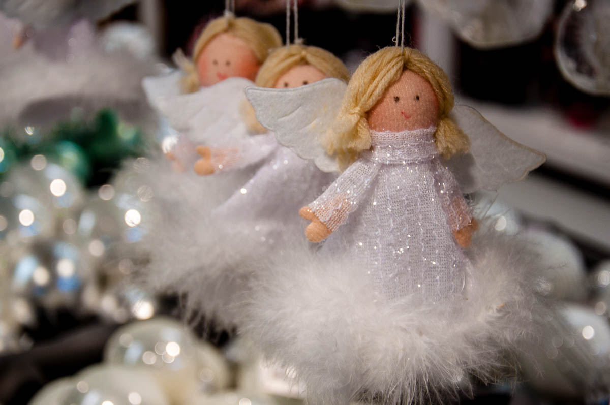 Christmas angels - Vicenza, Italy - www.rossiwrites.com