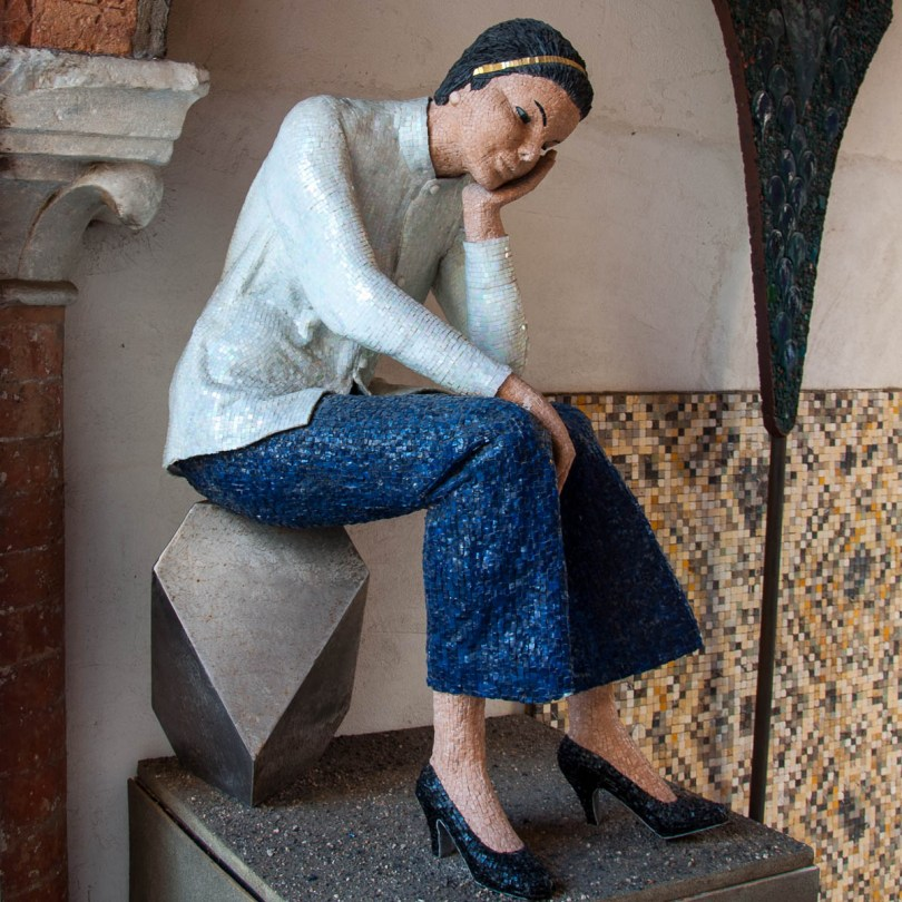 Mosaic sculpture - Ravenna, Emilia-Romagna, Italy - www.rossiwrites.com