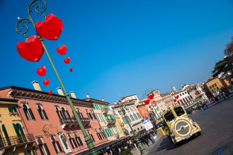 Piazza Bra with hearts and an electric train - Verona, Italy - rossiwrites.com