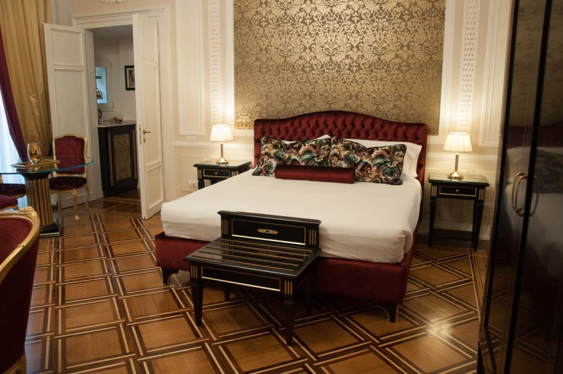 The Royal Suite - Palazzo Monga guesthouse - Verona, Italy - www.rossiwrites.com