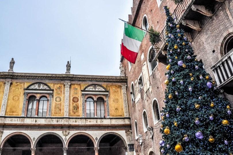 Verona Christmas Market at Piazza dei Signori - Verona, Italy - rossiwrites.com
