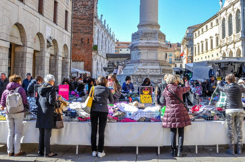 A market stall selling clothes - Vicenza, Italy - www.rossiwrites.com