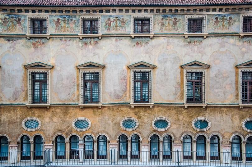 Palazzo del Monte di Pietà, Piazza dei Signori - Vicenza, Italy - rossiwrites.com