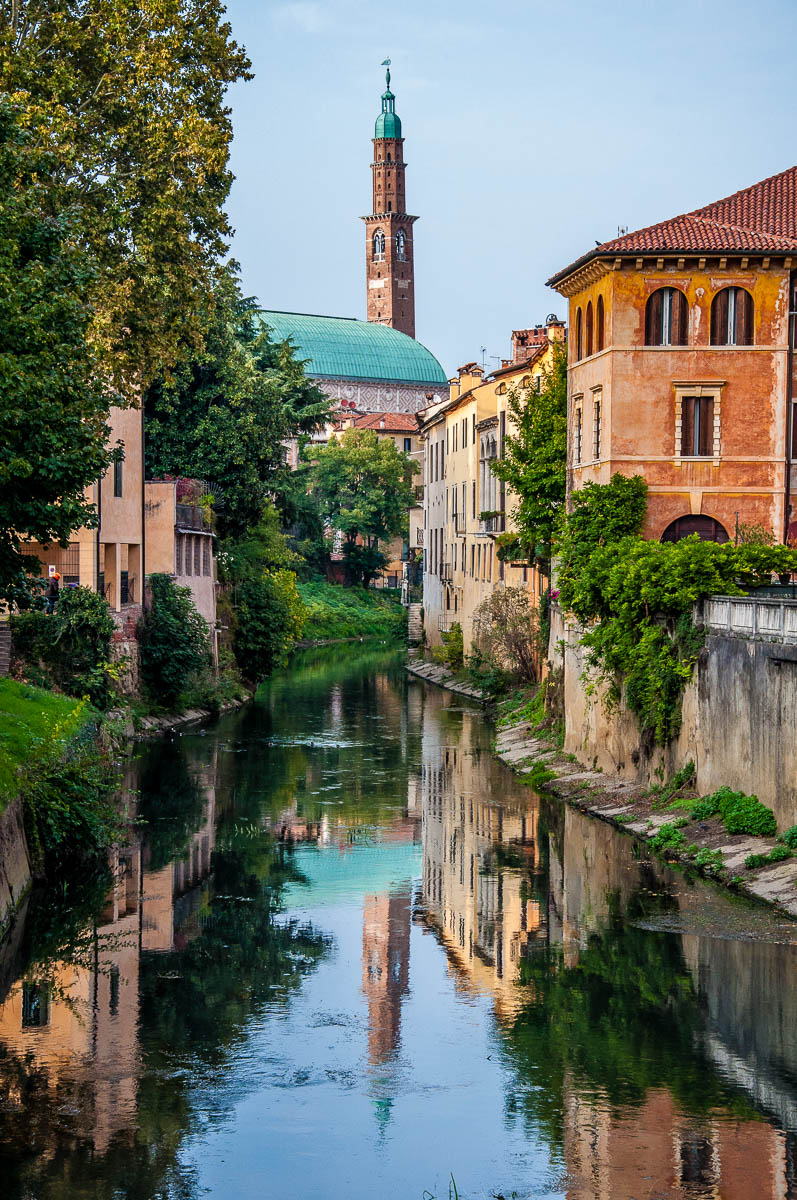 Palladio's Basilica seen from the Furo Bridge - Vicenza, Italy - www.rossiwrites.com