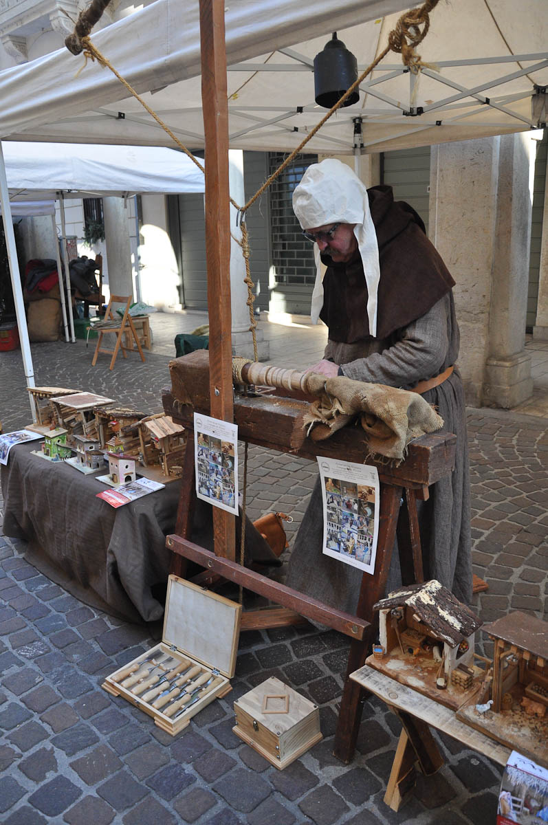 Woodturner, Old crafts festival, Corso Fogazzaro, Vicenza, Veneto, Italy - www.rossiwrites.com