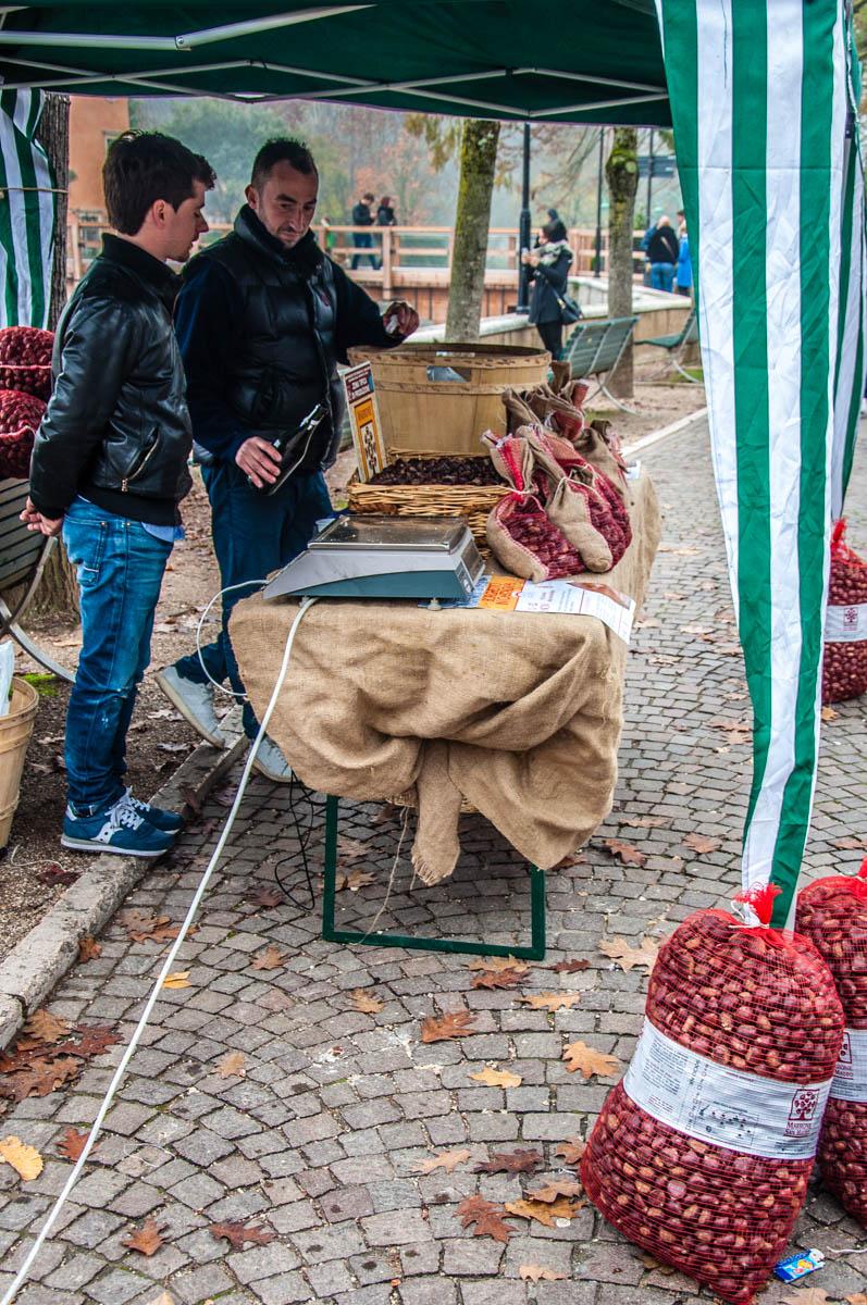 A stall selling roasted chestnuts - Borghetto sul Mincio, Veneto, Italy - www.rossiwrites.com