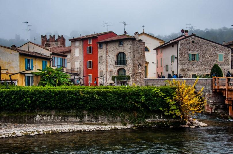 Old houses - Borghetto sul Mincio, Veneto, Italy - www.rossiwrites.com