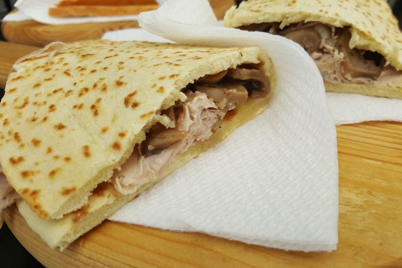 Piadina with ham and mushrooms - Rovigo, Italy - Italian food - www.rossiwrites.com