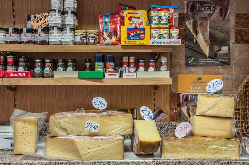 Traditional Italian cheese bagoss - Bagolino, Italy - Italian food - www.rossiwrites.com