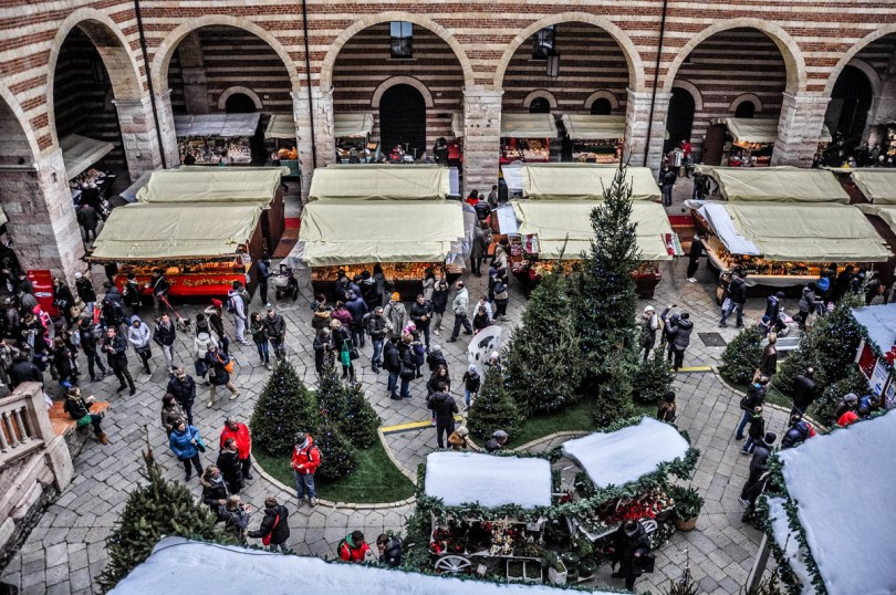 The market stalls seen from above - Christmas Market - Verona, Italy - rossiwrites.com