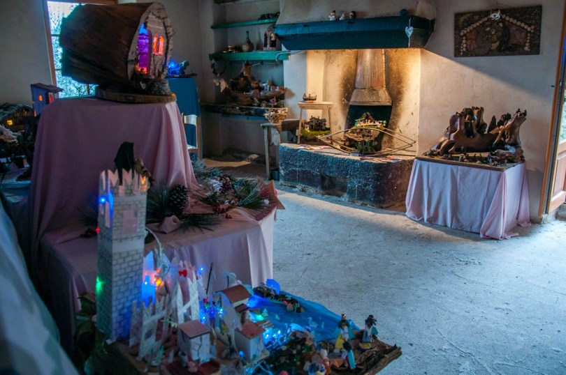 Room with an old hearth and Nativity Scenes - Campo di Brenzone, Lake Garda, Italy - www.rossiwrites.com