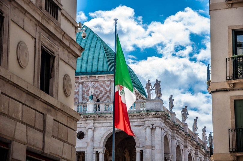 Italian flag - Vicenza, Italy - www.rossiwrites.com