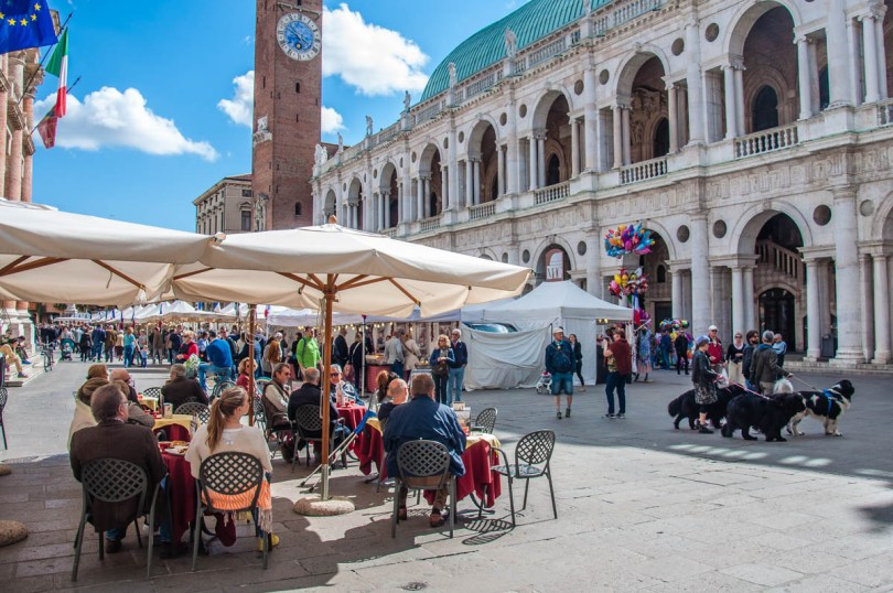 Piazza dei Signori - Vicenza, Veneto, Italy - rossiwrites.com