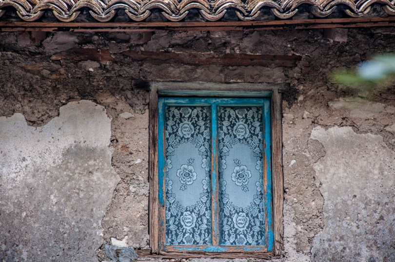Window with lace curtains - Campo di Brenzone, Lake Garda, Italy - www.rossiwrites.com
