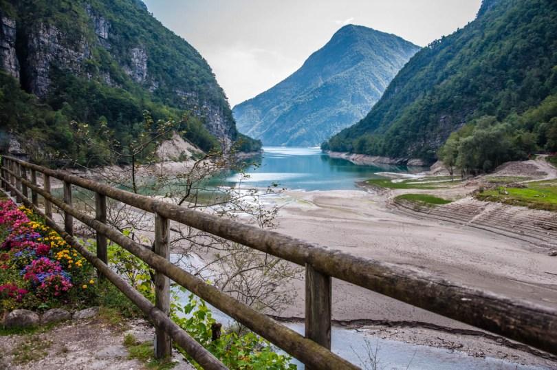 Lake Mis - Dolomites, Veneto, Italy - rossiwrites.com