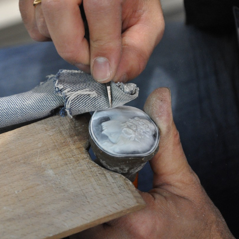 The delicate art of carving a cameo - Veneto, Italy - rossiwrites.com