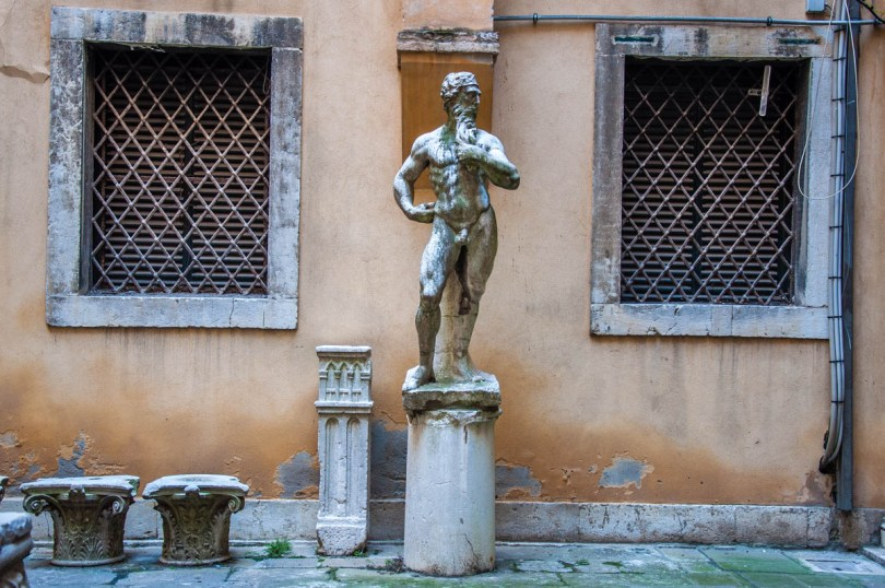 The courtyard of the Archaeological Museum - Venice, Italy - rossiwrites.com